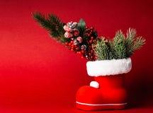 Cadres de cadeau sur le fond rouge photos libres de droits
