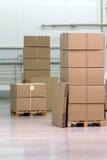Cadres de Catron dans l'entrepôt image stock