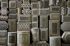 Cadres de souvenir sur le marché de souk du Caire Egypte photos stock