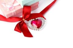 Cadres rouges de coeur, de bande et de cadeau Images libres de droits