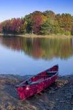 Caduta del lago canoe Fotografie Stock