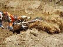 Caduta del motocross del cavaliere Immagine Stock