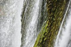 Caduta dell'acqua Immagini Stock