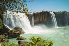 Caduta dell'acqua della linfa del Dray nella provincia di Dak Nong, altopiani centrali del Vietnam, Asia immagine stock libera da diritti