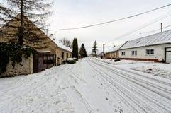 Caduta della neve sulla strada Fotografia Stock Libera da Diritti