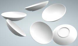 caduta e diffusione bianche del piatto della sfera 3D Immagini Stock