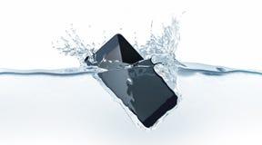 Caduta moderna nera dello smartphone in acqua, rappresentazione 3d Fotografia Stock Libera da Diritti