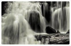 Cadute calve del fiume Fotografia Stock