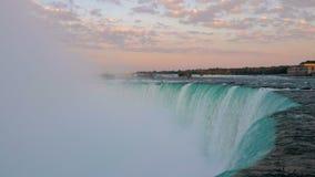 Cadute del ferro di cavallo di cascate del Niagara archivi video