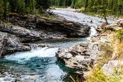 Cadute del fiume delle pecore, parco provinciale del fiume delle pecore, Alberta, Canada fotografia stock