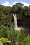 Cadute del Rainbow, fiume di Wailuku Immagini Stock Libere da Diritti