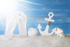 Cadute di Sunny Summer Card With Flip Immagini Stock