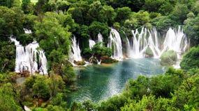 Cadute, la Bosnia & l'Erzegovina di Kravice fotografie stock