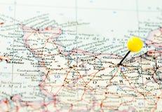 Caen fijó en el mapa de ruta Fotografía de archivo libre de regalías