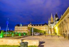 Caen normandie Mann-Abteiäußeres und -gärten nachts Stockfotografie