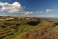 Caer Caradoc, área de la belleza natural excepcional en la primavera, colinas de Shropshire, País de Gales, Reino Unido Imagenes de archivo
