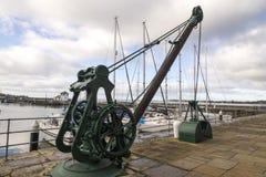 Caernarfon, Wiktoria dok -, stary dockside żuraw zdjęcie royalty free