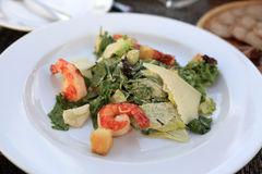 Caesar salad with shrimps Royalty Free Stock Photography