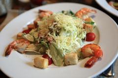 Caesar salad with shrimps Royalty Free Stock Images