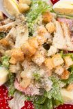 Caesar Salad sulla tavola di legno fotografia stock