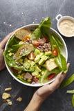 Caesar-Salat in einer Platte stockbild