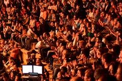 Caesarea Amfitheater, Israël, 19 Mei - het overleg van de muzikale groep Andrei Makarevich - Menigte van toeschouwers bij het ove Royalty-vrije Stock Foto's