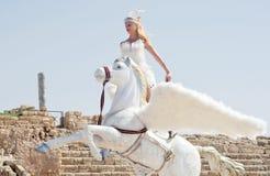 CAESAREA - 4. MÄRZ: Purim-Feiern führen, Mädchen auf einem Pferd in Ceasearea, Israel am 4. März 2015 vor Lizenzfreies Stockbild