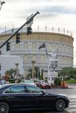 Caesars Palace mit goldenem Ritter Vegas in Las Vegas lizenzfreies stockfoto