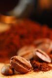 Cafè de grain de café et moulu Photos stock