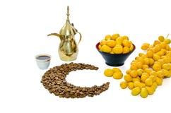 Café árabe com fruta da tâmara Imagem de Stock Royalty Free