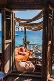 Café árabe en la costa de Mar Rojo Fotos de archivo libres de regalías