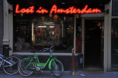 """Café da sala de estar """"perdido em Amsterdam"""" imagens de stock"""