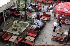 Café al aire libre en Estambul Imagen de archivo
