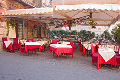 Café al aire libre italiano o Imágenes de archivo libres de regalías