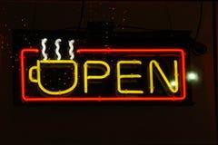 Café amarillo de neón abierto Imagenes de archivo