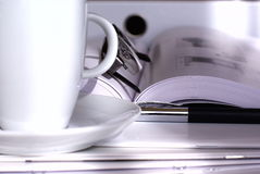 Café au bureau images stock