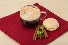 café avec des macarons Photo stock