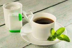 Café avec l'édulcorant de stevia Photos stock