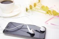 Café avec la musique Photographie stock
