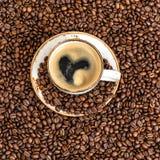 Café avec le fond de haricots de Cooffee de concept d'amour de coeur Photos libres de droits