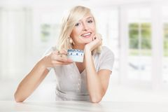 Café bebendo da mulher Fotografia de Stock Royalty Free