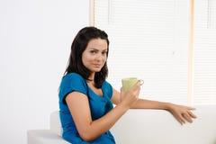 Café bebendo da mulher Fotos de Stock