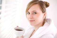Café bebendo da mulher fotografia de stock