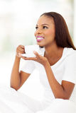 Café bebendo do afro-americano Imagem de Stock Royalty Free