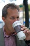 Café bebendo do homem de negócios Fotografia de Stock Royalty Free