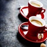 Café branco do café do copo Xícaras de café vermelhas Foto de Stock Royalty Free