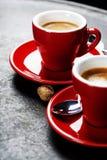 Café branco do café do copo Xícaras de café vermelhas Fotografia de Stock Royalty Free