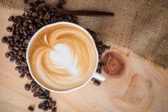 Café caliente del Cappuccino Imágenes de archivo libres de regalías