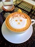 Café caliente del capuchino fotos de archivo