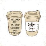 Café caliente disponible ir taza con las tapas y el texto - el café a ir aisló en un blanco Ilustración drenada mano Imágenes de archivo libres de regalías